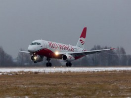 Air-Journal_Red-Wings- Sukhoi SSJ100