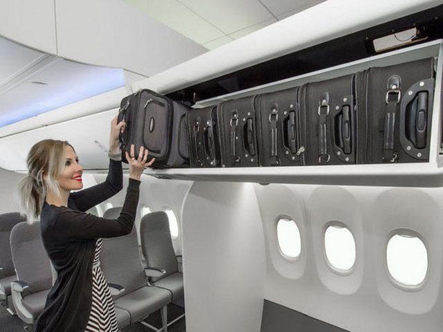 Boeing lance les space bins pour davantage de bagages for Alaska cabine pubbliche