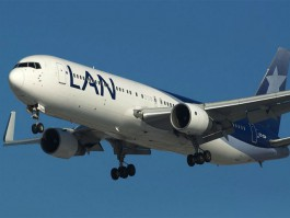 Air-journal-767-300ER_LAN Peru