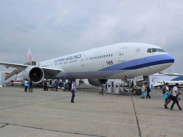 Air-journal-777-300 China Airlines_bourget