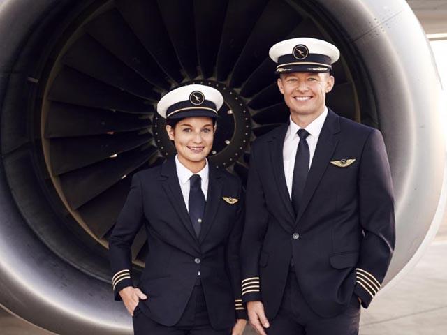 Air-journal-Qantas-nouveaux uniformes pilotes1
