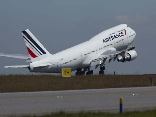 Air france reconfigure ses 747 400 air journal for Interieur 747 air france
