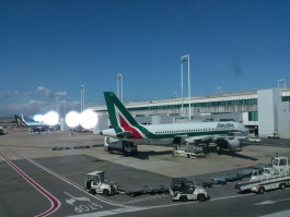 air-journal-alitalia-aeroport-rome-roma
