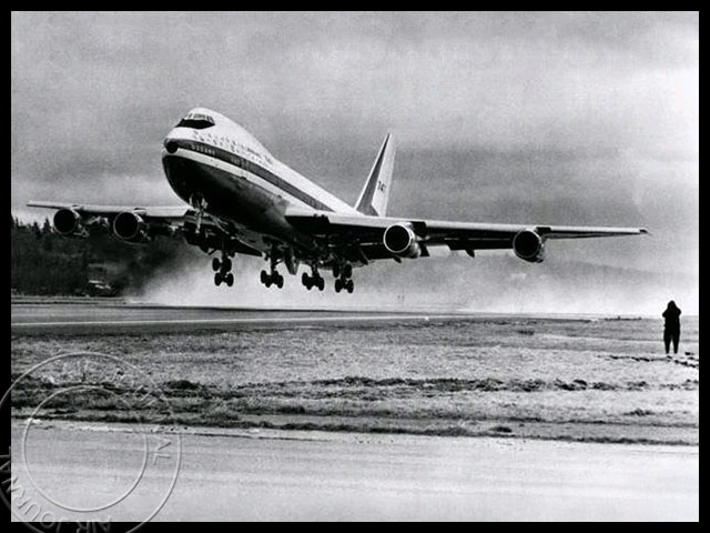 air-journal-boeing-747-premier-vol
