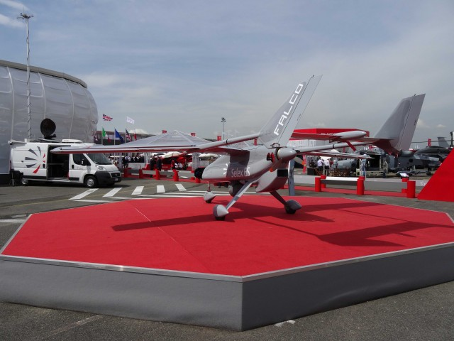 Bourget 2013 : avec Soar, Thales se lance dans le vol suborbital Par Rémy Decourt Air-journal-bourget-2013-13-640x480