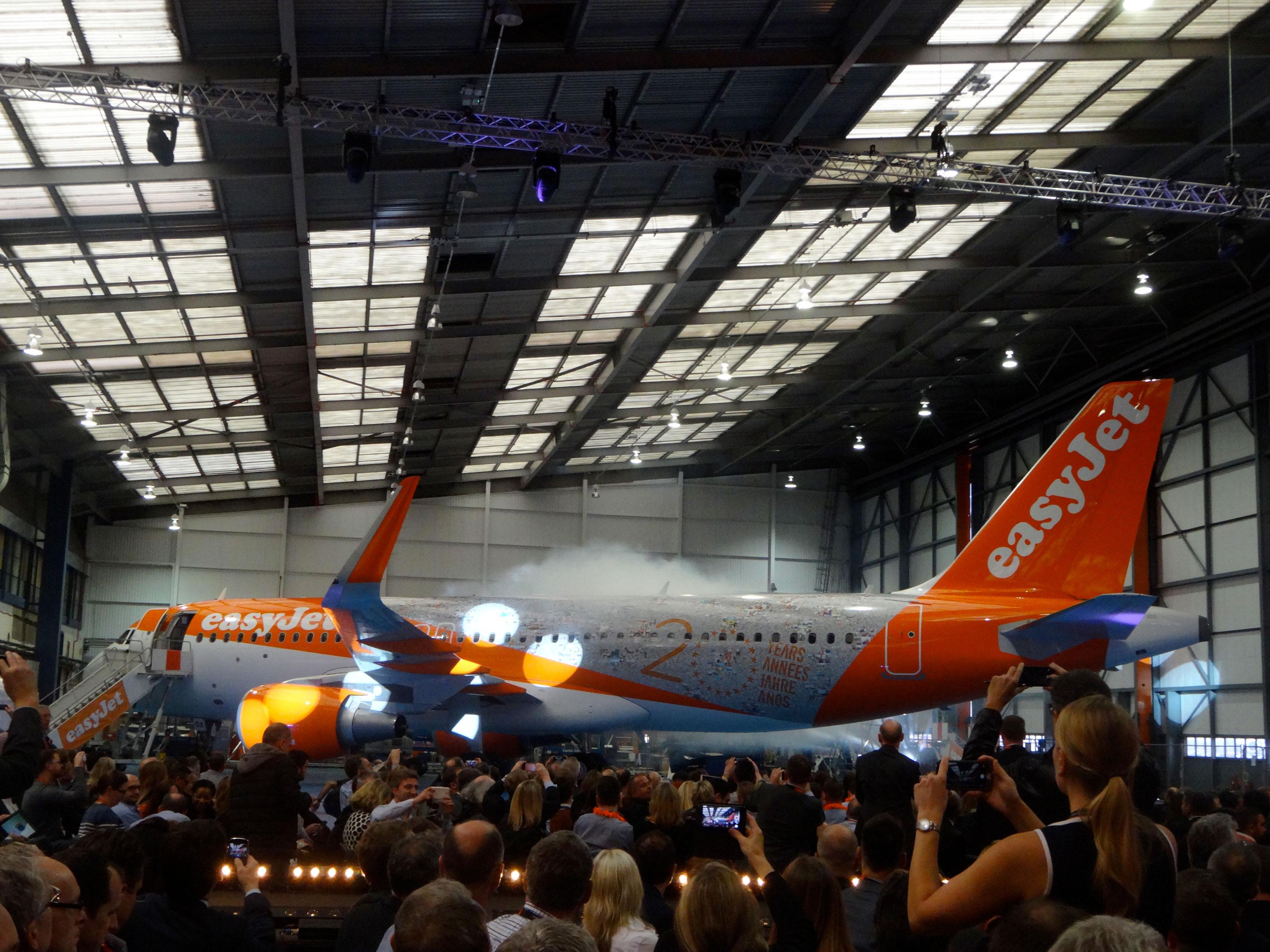 Air journal easyjet anniversaire 20 ans avion air journal for Interieur avion easyjet