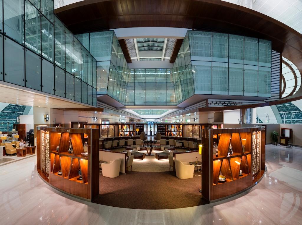 emirates r nove son salon classe affaires l a roport