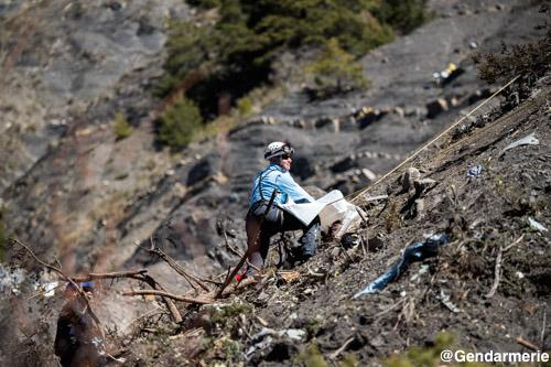 air journal germanwings gendarmerie5 Crash Germanwings : la difficile identification des victimes
