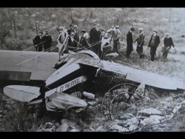 air-journal-hawks-crash-worcester-1935