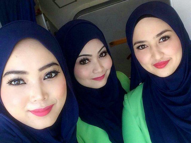 air-journal-hotesses-Rayani-Air