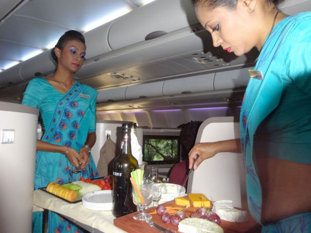 air-journal-srilankan-plateau-fromage-business-affaires-a330-300
