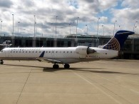 air-journal united express CRJ-700