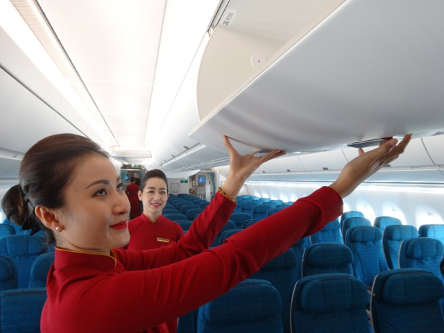 air-journal-vietnam-airlines-equipage-hotesses-airbus-a350