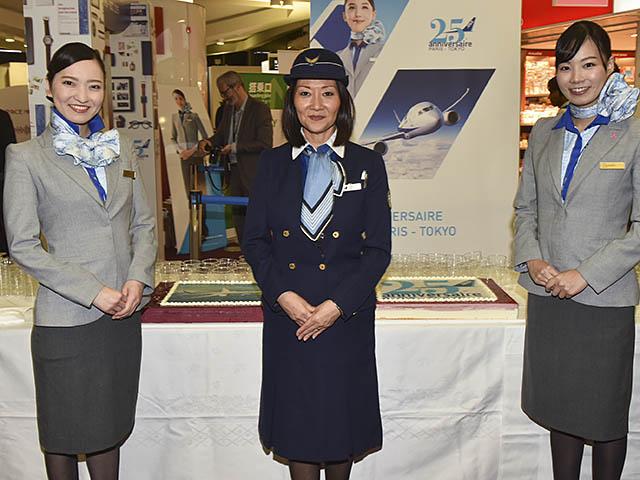 air-journal_ANA-All-Nippon-Airways-25e-uniformes