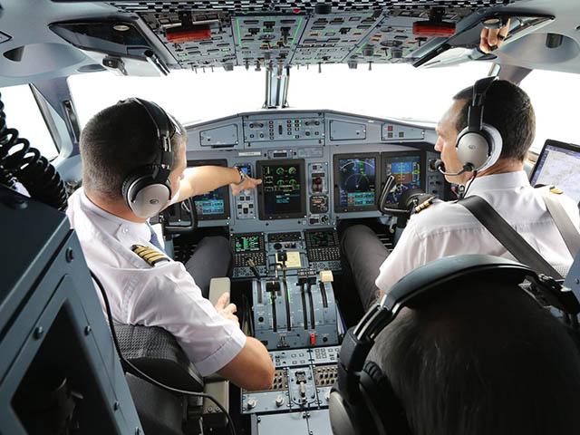 formation des pilotes   atr signe avec l u2019enac