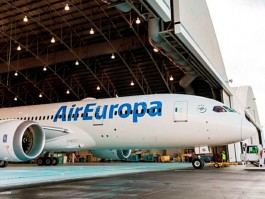air-journal_Air Europa 787-8 hangar