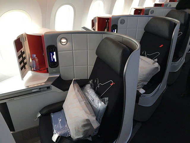 L arriv e du dreamliner d air france en photos air journal for Air france vol interieur
