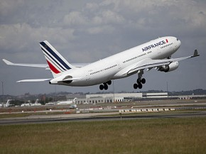 air-journal_Air France A330-200 takeoff