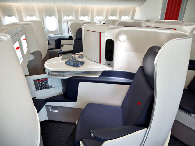 Air france les nouvelles cabines d collent vid o air for Boeing 777 air france interieur