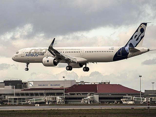 air-journal_Airbus A321neo PW premier vol landing