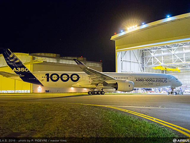 air-journal_airbus-a350-1000-carbon-rollout