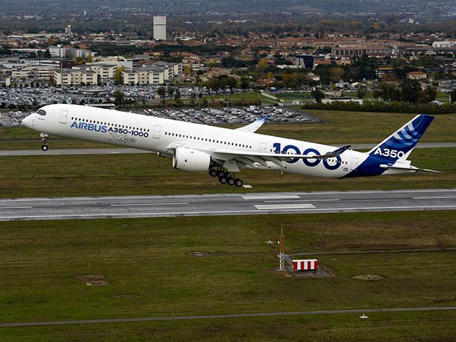 air-journal_Airbus-A350-1000_First_Flight_push_back_and_take_off-092