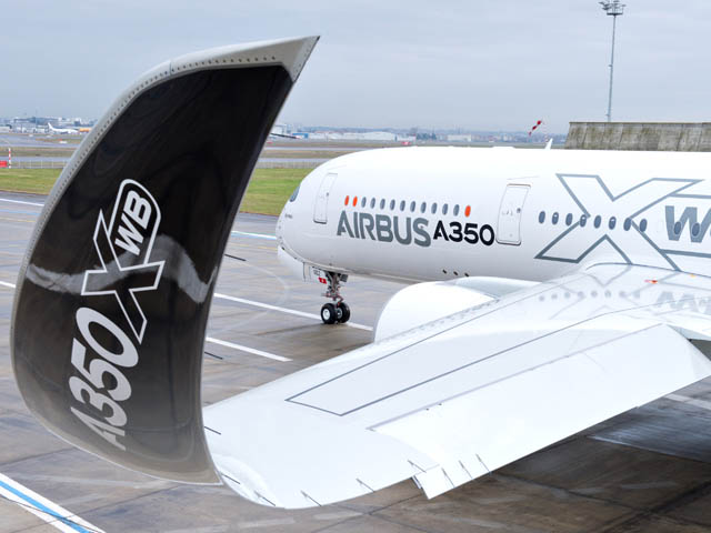 air-journal_Airbus A350_MSN2_PAINTHALL-6
