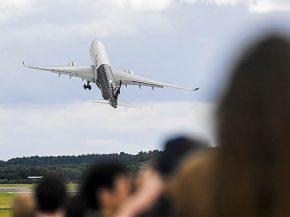 air-journal_Airbus A350_XWB_Demo_flight_Farnborouh2016