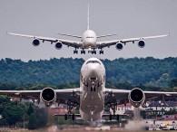 air-journal_Airbus A380 A350 close