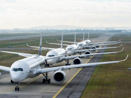 air-journal_Airbus_A350XWB_Formation_Flight_Take_off