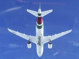 air-journal_Alitalia A319 new vol (2)