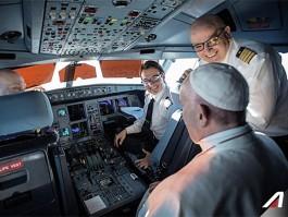 air-journal_Alitalia pape cockpit
