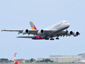 air-journal_Asiana A380 takeoff