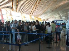 Passagers à l'embarquement @Common Wikipedia