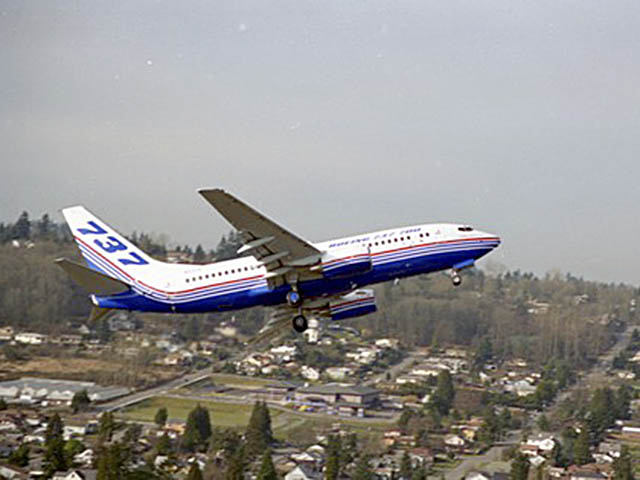air-journal_Boeing 737-77 premier vol NG