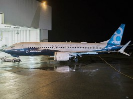 air-journal_Boeing-737-8-MAX-rollout
