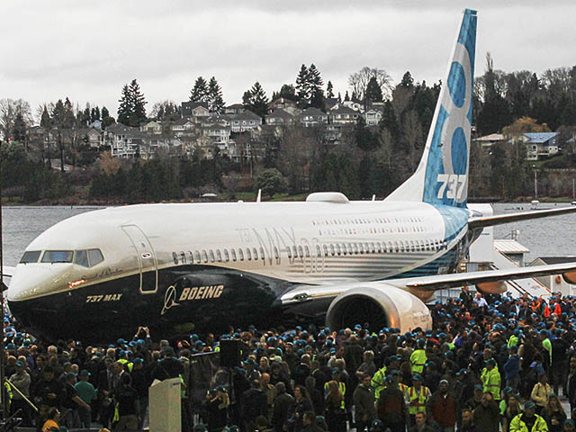 air-journal_Boeing-737-MAX-8-rollout-day