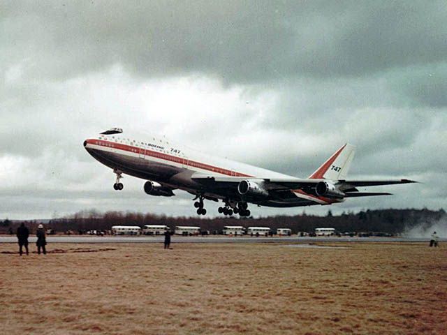 air-journal_Boeing 747 premier vol2