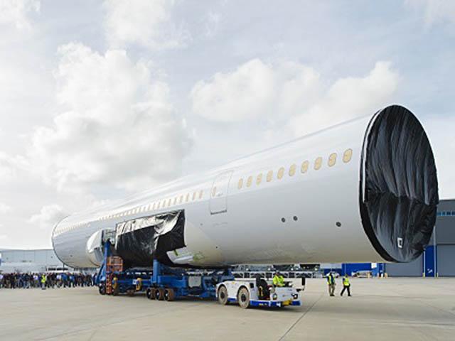 air-journal_boeing-787-10-fuselage-north-charleston