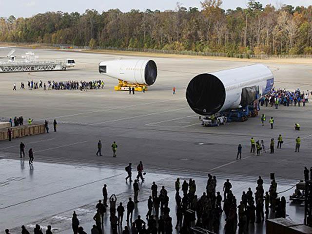 air-journal_boeing-787-10-fuselage-north-charleston2