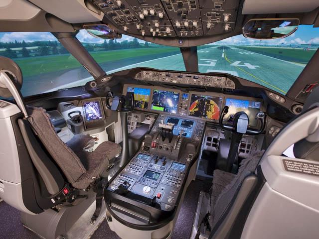 air-journal_Boeing-787-simulator