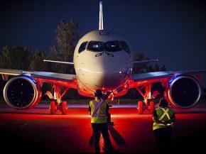 air-journal_Bombardier CS100 moteur nuit