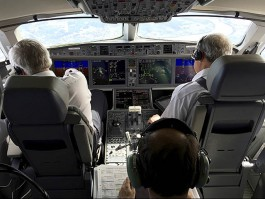 air-journal_Bombardier CSeries cockpit