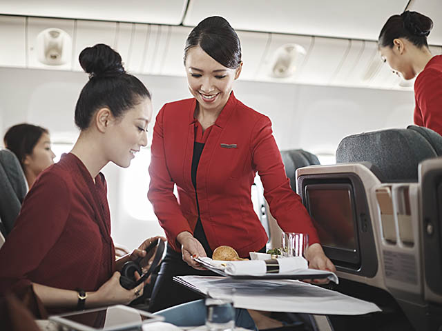 air-journal_Cathay Dragon Inflight