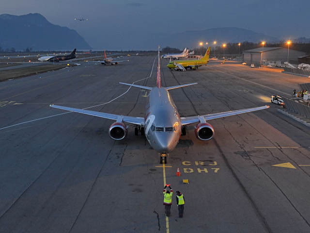 air-journal_chambery-aeroport-nuit