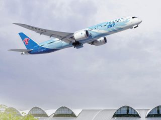 air-journal_China-Southern-Airlines-787-9-takeoff