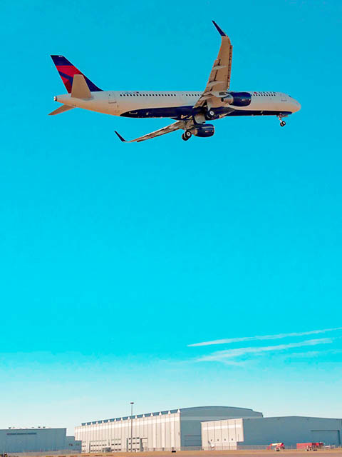 air-journal_delta-a321-mobile-1er-vol