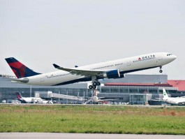 air-journal_Delta A330 242T Takeoff