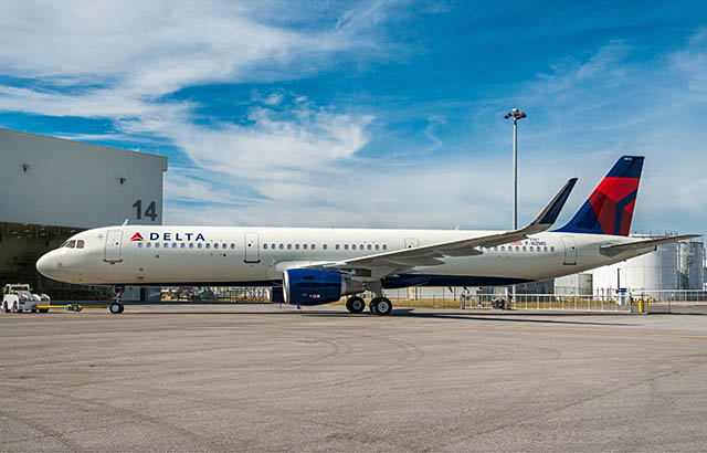 air-journal_delta-air-lines-a321-mobile-paint
