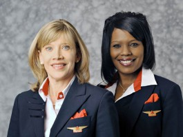 air-journal_Delta PNC hotesses